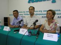 Депутат Ы.Кадыралиева избила туфлей на суде обвиняемых в убийстве ...