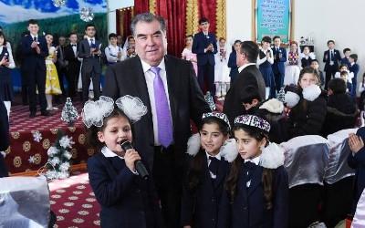 Президент таджикистана дети фото