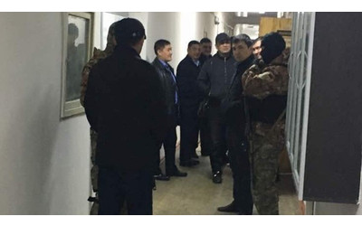 Two police officers probed for bribery charges in Bishkek