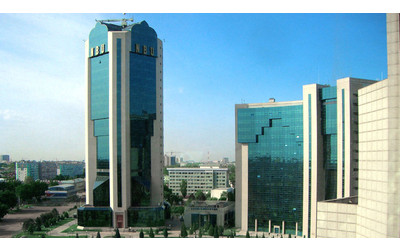 Uzbekistan to allow foreign cash sales within months