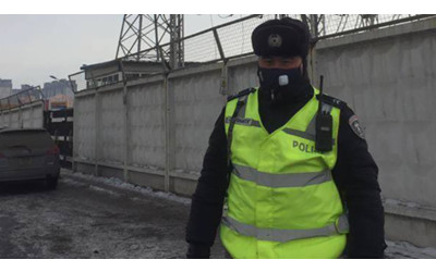 Ulaanbaatar Traffic Police provided with smoke masks