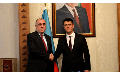 Newly appointed Ambassador of Turkmenistan to Azerbaijan delivers copies of his credentials