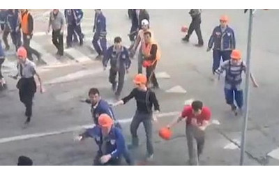 Mass brawl breaks out between Uzbek and Armenian migrants in Moscow