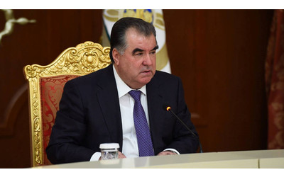 Rahmon calls on American businessmen to invest in Tajikistan