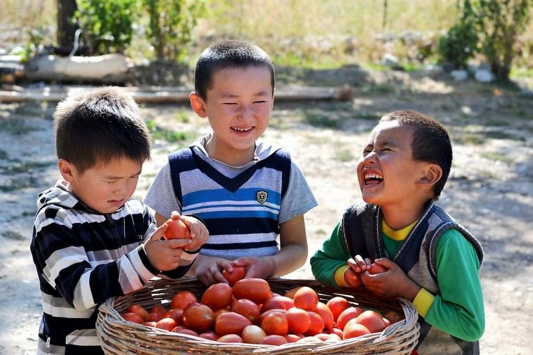 Number of children left unattended because of labor migration is increasing in Kyrgyzstan annually