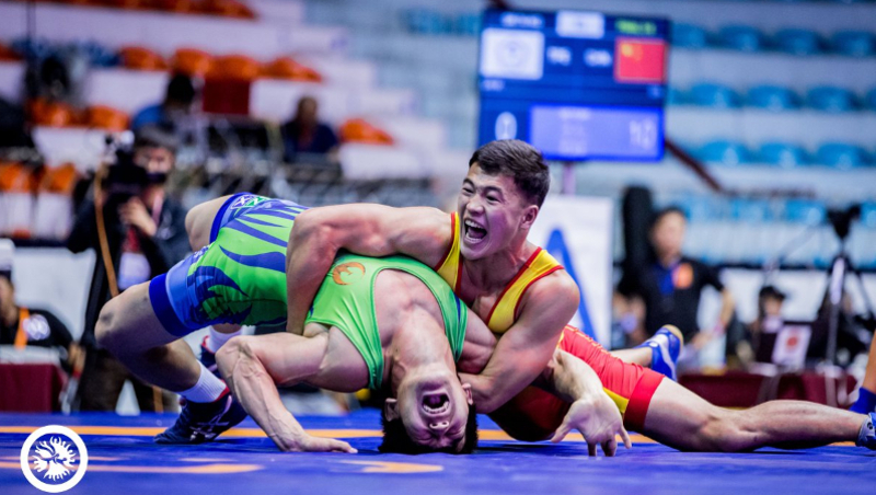 AKIPRESS.COM - The winner of Asian and World Cadet Championship Akjol Makhmudov won Kyrgyzstan's first gold medal at Junior Asian Wrestling Championship ...