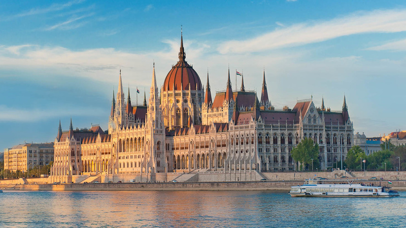 Hungarian government to provide more scholarships to ...