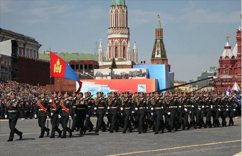 ШУУД ЭФИР: Ялалтын баярын парадад Монгол цэргүүд оролцож байна
